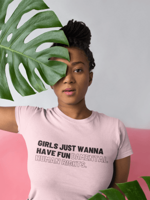 Camiseta Girls Just Wanna Have Fundamental Human Rights