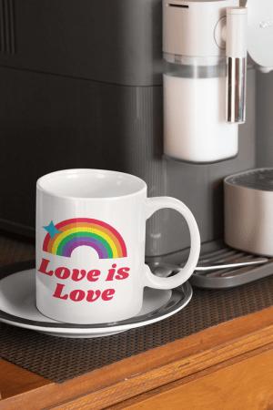 Caneca Love is Love